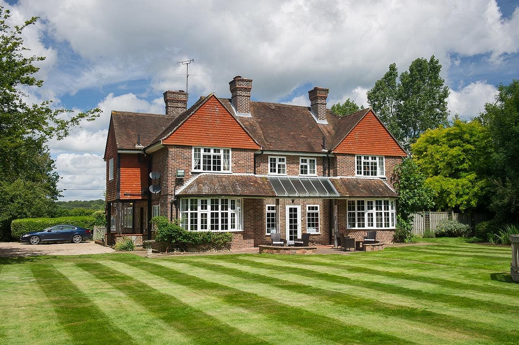 claverton-house-camber-sands-best-beaches-in-uk