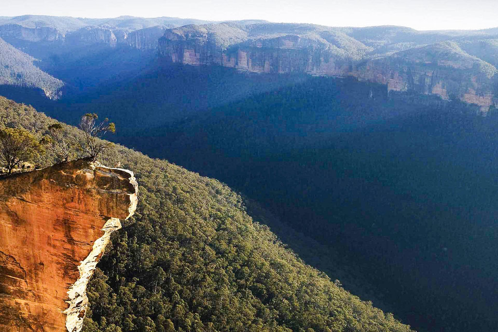 hanging-rock-in-blue-mountains