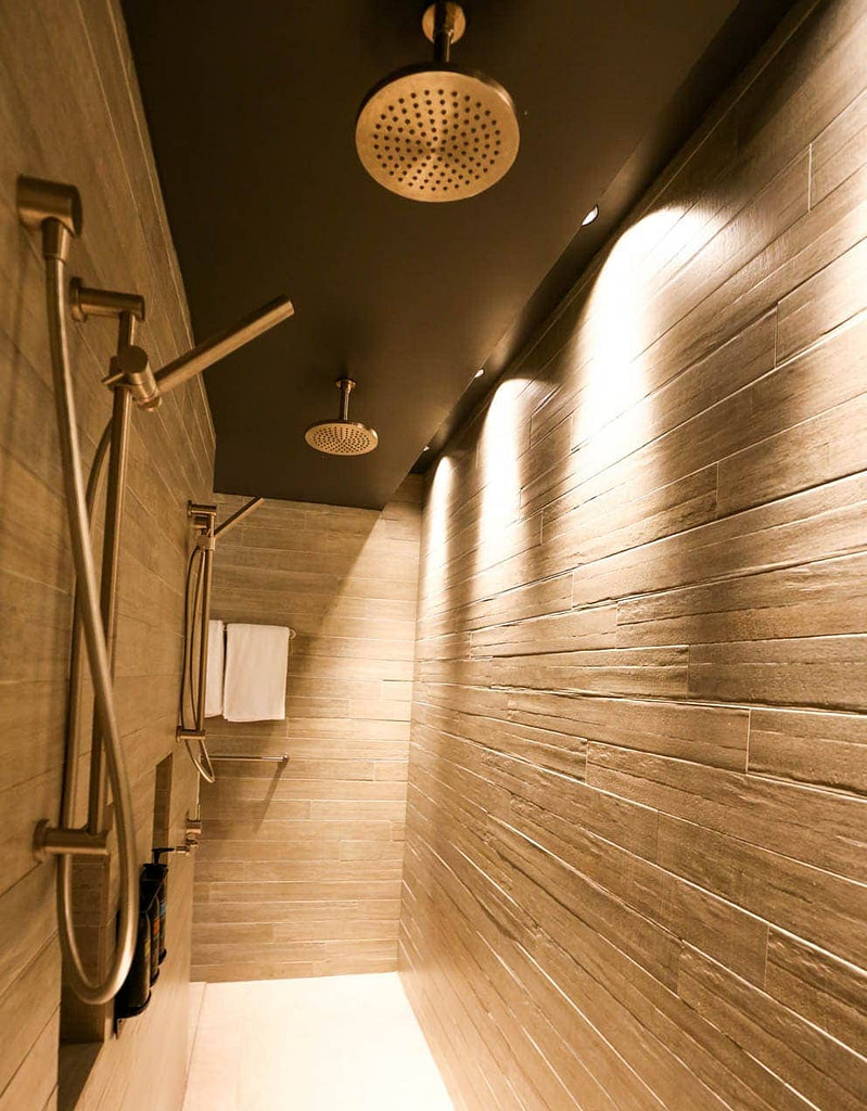 ovolo-two-showers-in-room