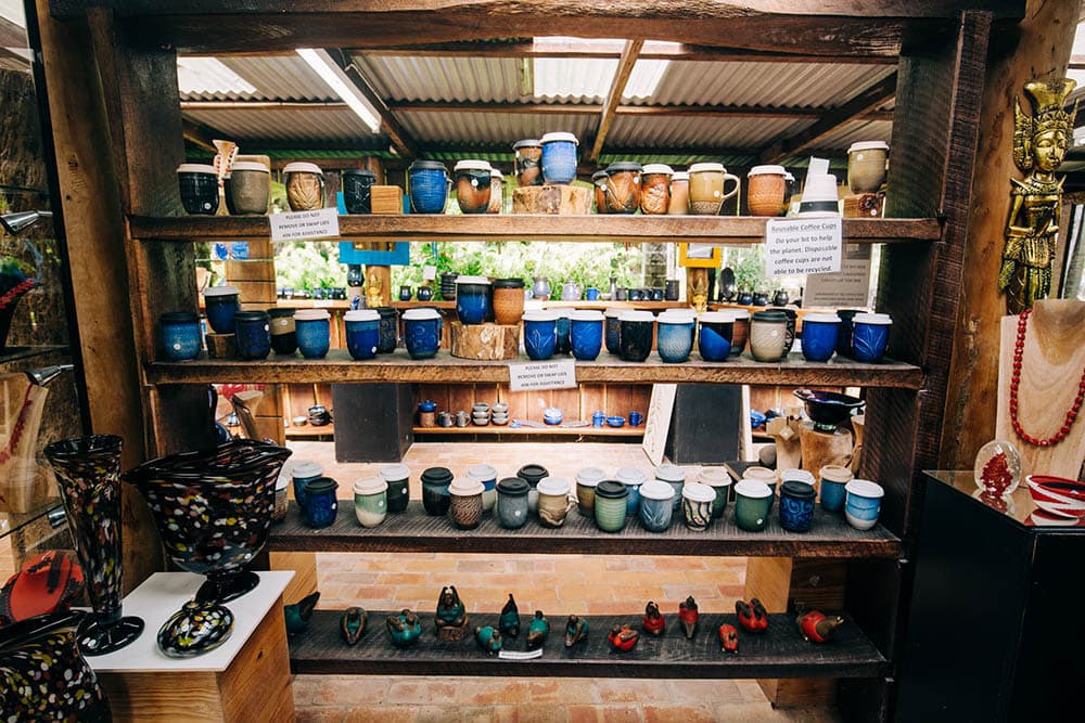 This image has an empty alt attribute; its file name is nob-creek-pottery-byfield-1.jpg