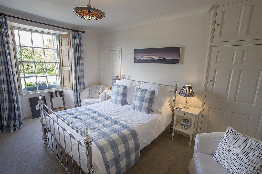 market-cross-guesthouse-northumberlandshire
