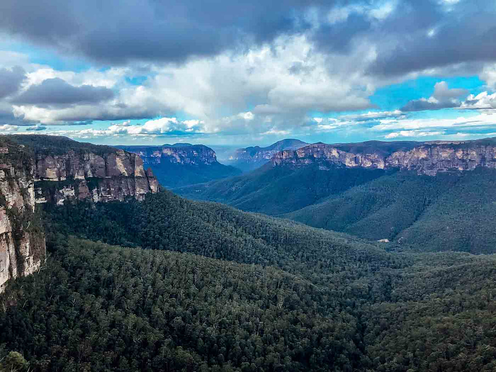 govetts-leap-lookout-blue-mountains