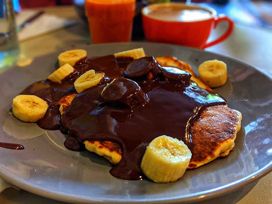 1-Pancakes with rich chocolates and bananas