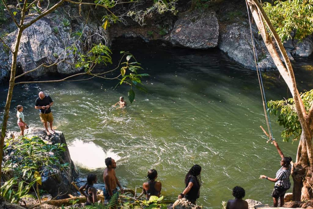 the-crystal-cascades-swimming-hole-cairns-2