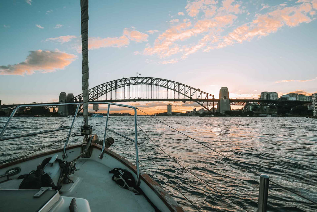 whale-watching-tour-sydney
