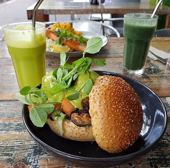 pure-wholefoods-manly-1