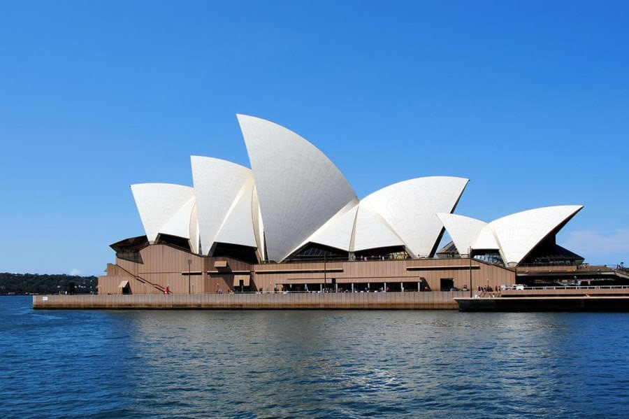 SYDNEY-OPERA-HOUSE-THE-MOST-POPULAR-PLACES-IN-AUSTRALIA